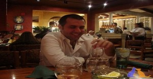 Adolfomartinrio 40 years old I am from Hialeah/Florida, Seeking Dating Friendship with Woman